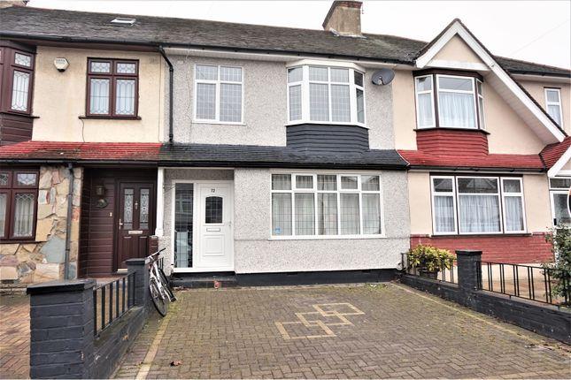 Thumbnail Terraced house for sale in Gorseway, Romford