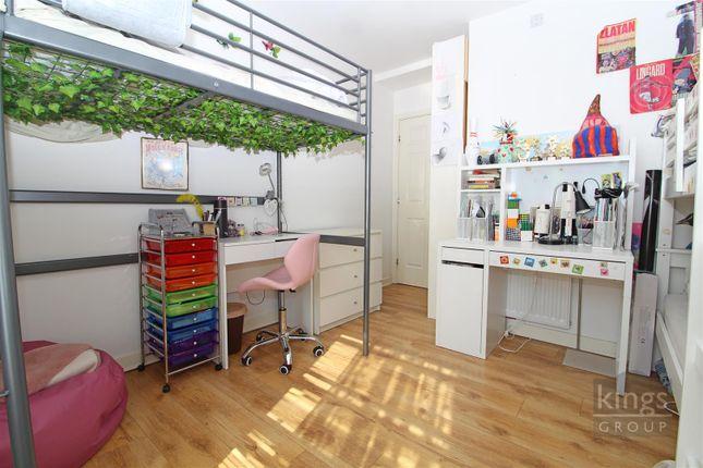Bed 2. of Charlwood Street, London SW1V