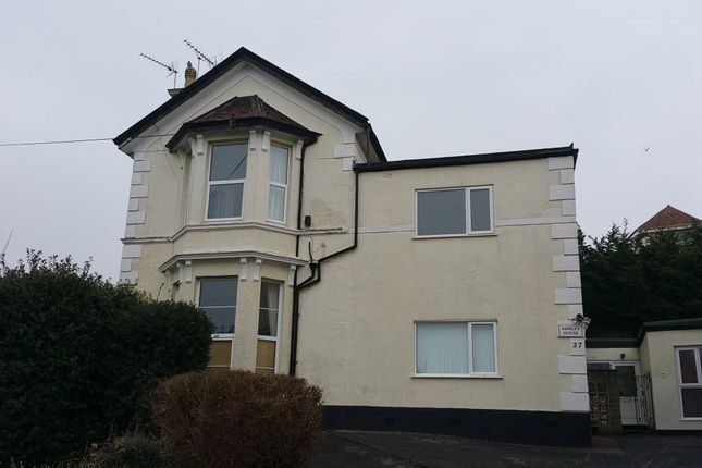 2 bed flat to rent in Avenue Road, Torquay