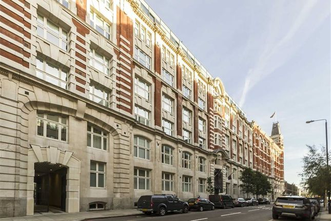 Thumbnail Flat to rent in Leman Street, London