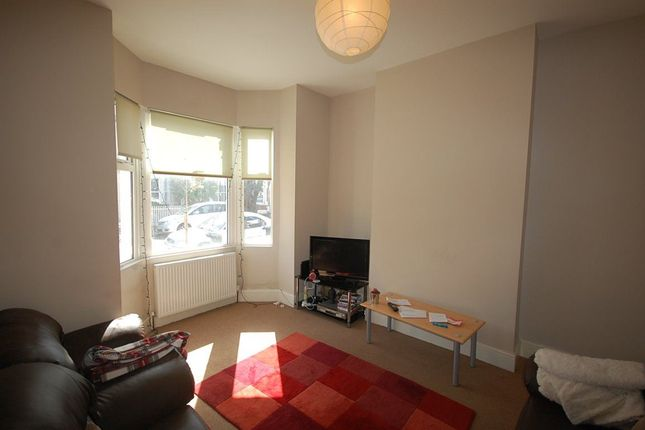 Property to rent in Livingstone Road, London