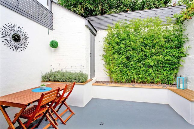 2 bed flat for sale in Station Street, Lewes, East Sussex
