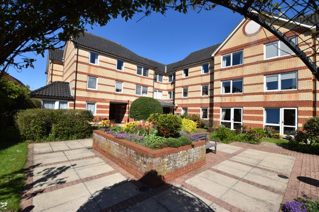 Thumbnail 2 bed flat to rent in Louden Road, Cromer
