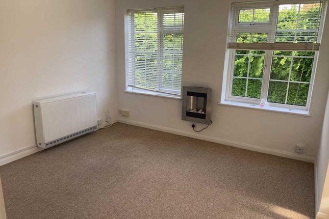 Studio to rent in Epsom Road, Leatherhead