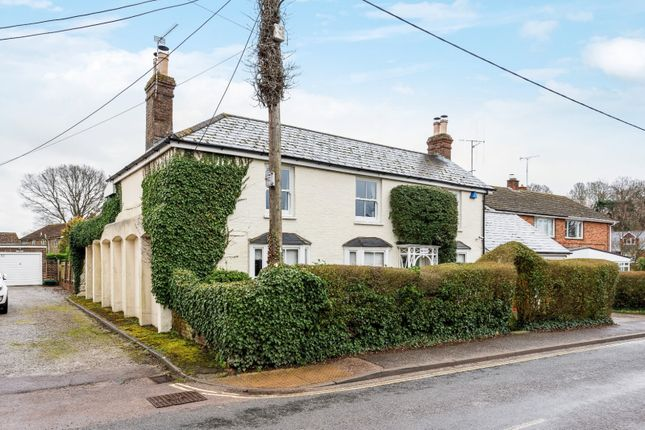 Thumbnail Detached house for sale in Lower Station Road, Billingshurst