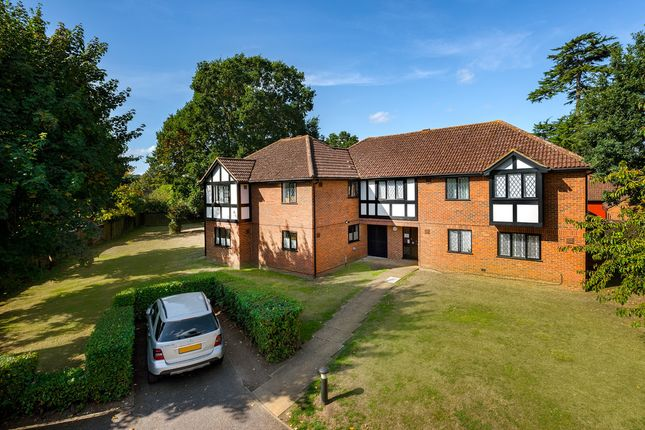 Thumbnail Flat for sale in Newton Court, Old Windsor, Windsor