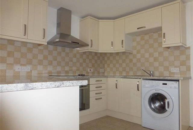 Flat to rent in Lower Road, Garsington, Oxford