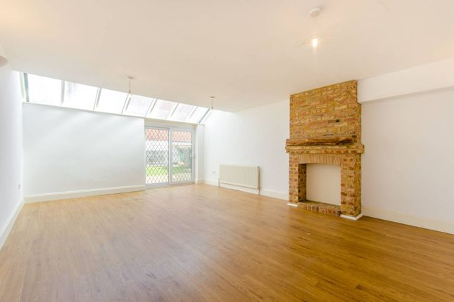 Thumbnail Semi-detached house to rent in Lower Road, Loughton