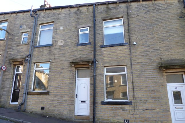 Thumbnail Shared accommodation to rent in Grove Street, Sowerby Bridge, West Yorkshire
