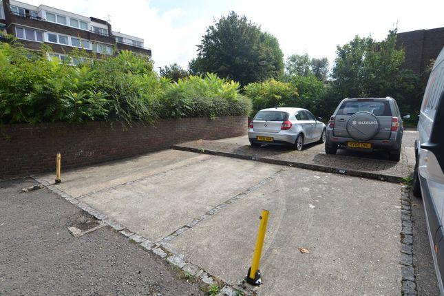 Augustus Close, Brentford TW8