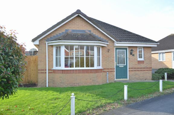 Thumbnail Detached bungalow for sale in Windsor Close, Cullompton