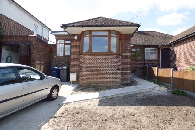 Thumbnail Bungalow to rent in Baring Road, New Barnet