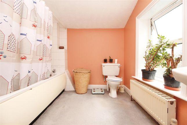 Family Bathroom of Orford Street, Ipswich IP1