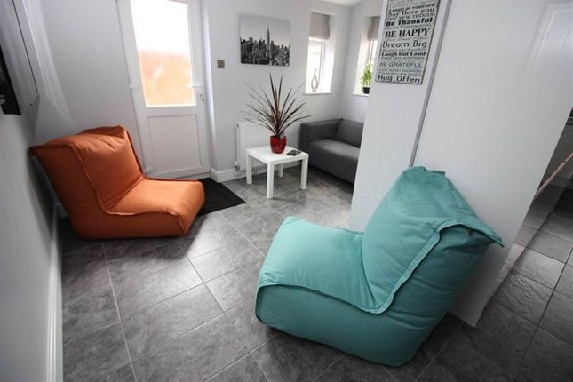 Thumbnail Property to rent in Hythe Road, Swindon