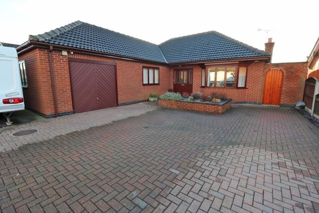 Thumbnail Detached bungalow for sale in Lindsey Drive, Crowle, Scunthorpe
