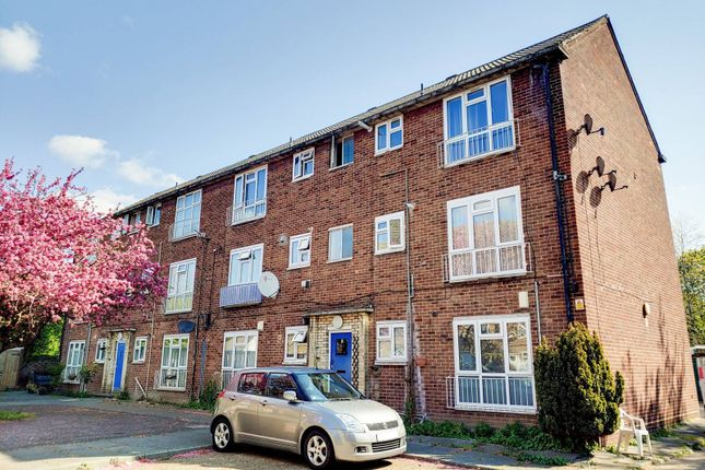2 bed flat for sale in Balaam Street, Plaistow, London E13