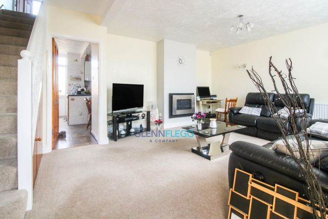 Lounge of Parlaunt Road, Langley, Slough SL3