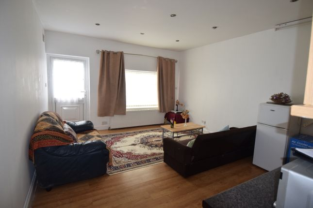 Thumbnail Flat to rent in Adrienne Avenue, Southall/Greenford
