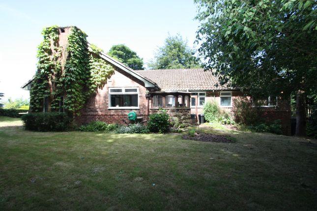 Thumbnail Bungalow to rent in Longley Lane, Woodside, Kelsall, Tarporley