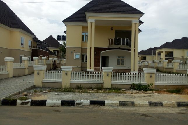 Thumbnail Detached house for sale in 6 Bedroom Detached Duplex With 2 Rooms Detached Bq, Airport Road Abuja, Nigeria