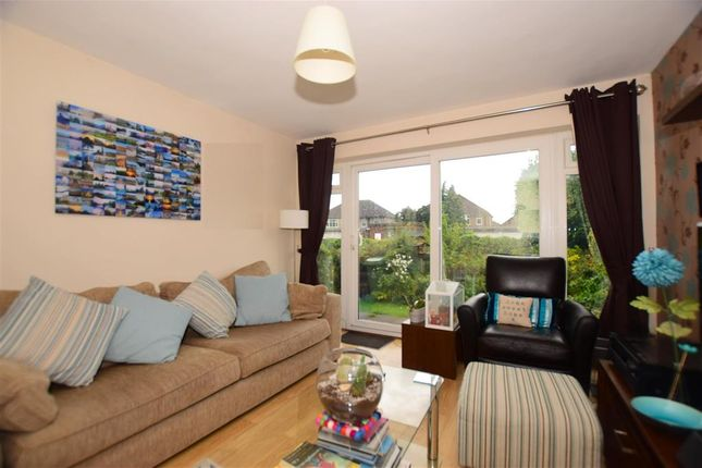 Thumbnail Maisonette for sale in Bellegrove Road, Welling, Kent