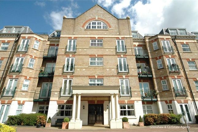 Thumbnail Flat for sale in Retirement Flat For The Over 60S, Bryant Court, The Vale, Acton, London