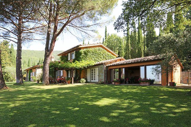 4 bed villa for sale in Cortona, Arezzo, Tuscany, Italy