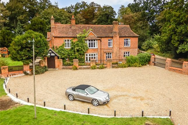 Thumbnail Detached house for sale in Wildhill Road, Woodside, Hatfield, Hertfordshire