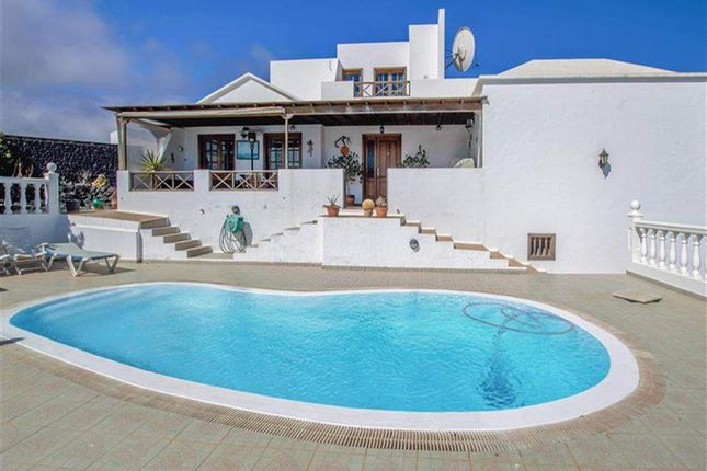 4 bed villa for sale in Tias, Lanzarote, Spain