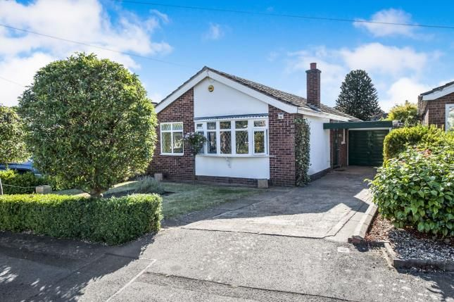 Thumbnail Bungalow for sale in Walkers Road, Stratford-Upon-Avon, Warwickshire