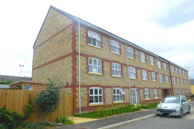Thumbnail Flat to rent in Jubilee Close, Crewkerne