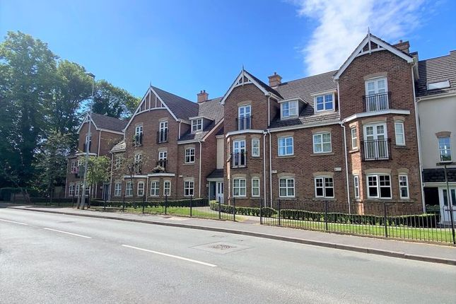 2 bed flat to rent in Ellesmere Green, Eccles, Manchester M30