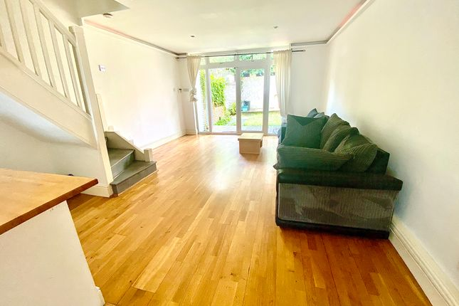 Thumbnail Terraced house to rent in Dagmar Terrace, Islington