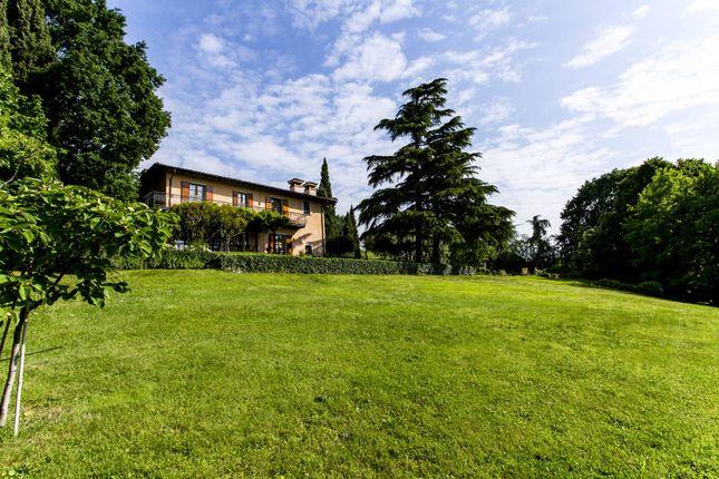Thumbnail Villa for sale in Coccaglio, Brescia, Lombardia