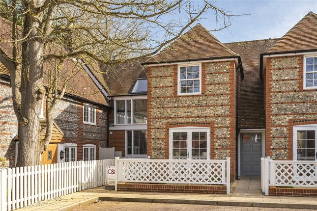 2 bed terraced house to rent in Jacklyns Lane, Alresford, Hampshire SO24