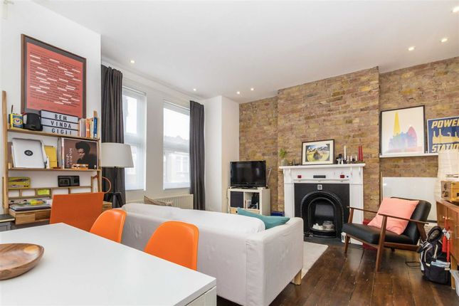 Thumbnail Flat for sale in Berrymead Gardens, London