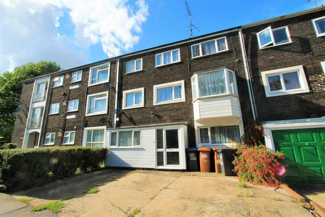 Thumbnail Property to rent in Northdown Road, Hatfield