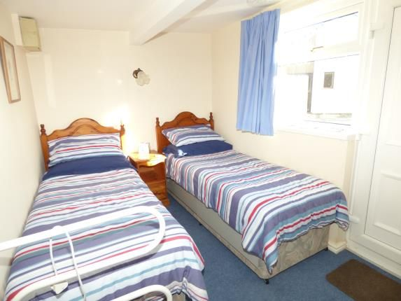5 bedroom bungalow for sale 45612528 primelocation. Black Bedroom Furniture Sets. Home Design Ideas