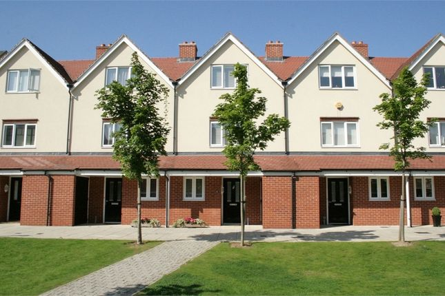 3 bed town house for sale in Fremantle Way, Hayes