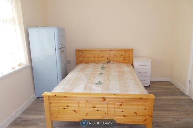 Room to rent in High Street, Pensnett, Brierley Hill DY5