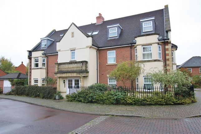 Thumbnail Flat to rent in East Hundreds, Fleet, Hampshire