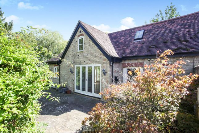 Thumbnail Barn conversion for sale in Slapton Lane, Dunstable