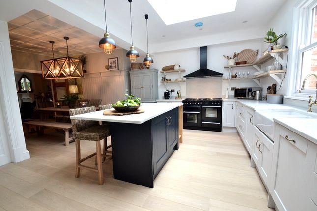 Breakfast Kitchen (Reverse)