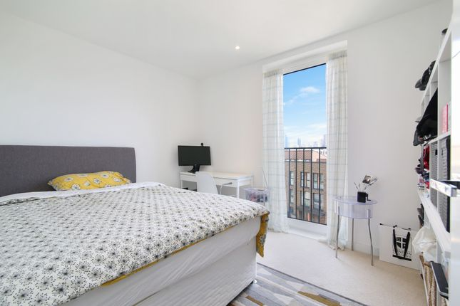 Thumbnail Flat to rent in Royal Victoria Gardens, Whiting Way, London