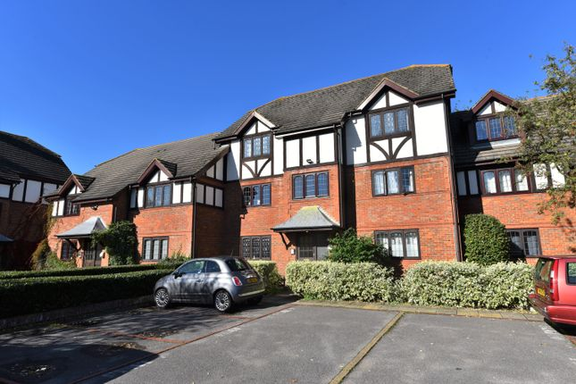 1 bed flat for sale in St. Peters Court, High Street, West Molesey KT8