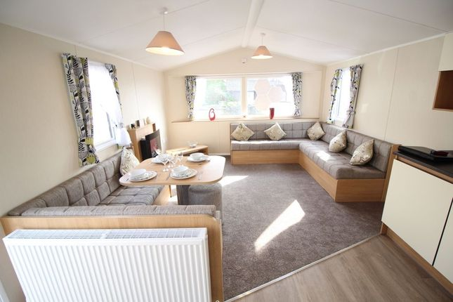 2 bed bungalow for sale in Vinnetrow Road, Runcton, Chichester