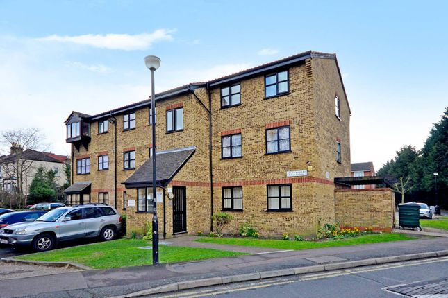 Thumbnail Flat to rent in Selwyn Court, Walthamstow