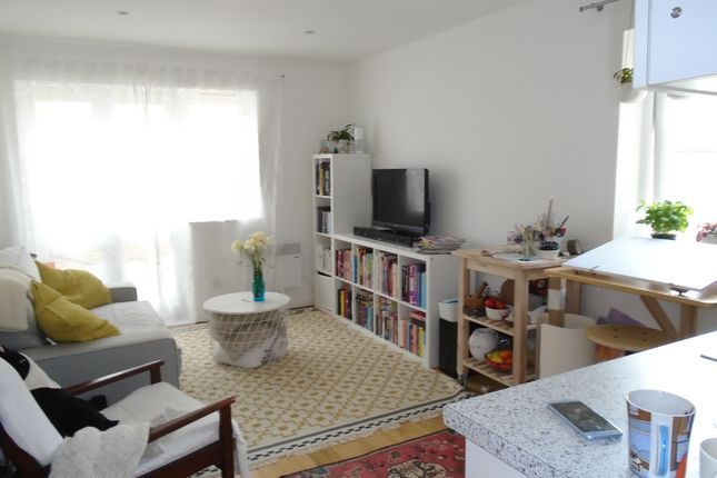 Thumbnail Flat to rent in Tapster Street, Barnet