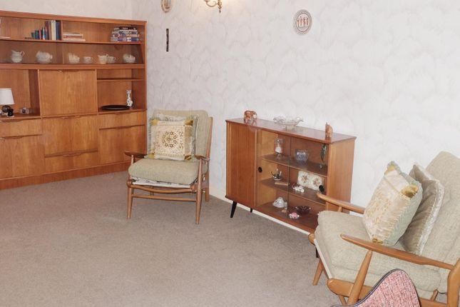 Lounge 2 of Gogoside Road, Largs KA30