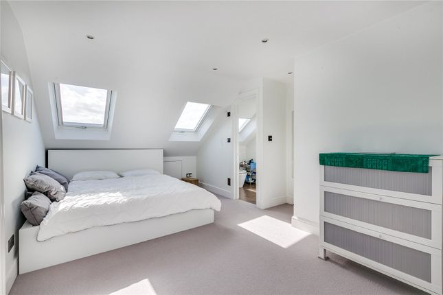Bedroom of Gaskarth Road, London SW12